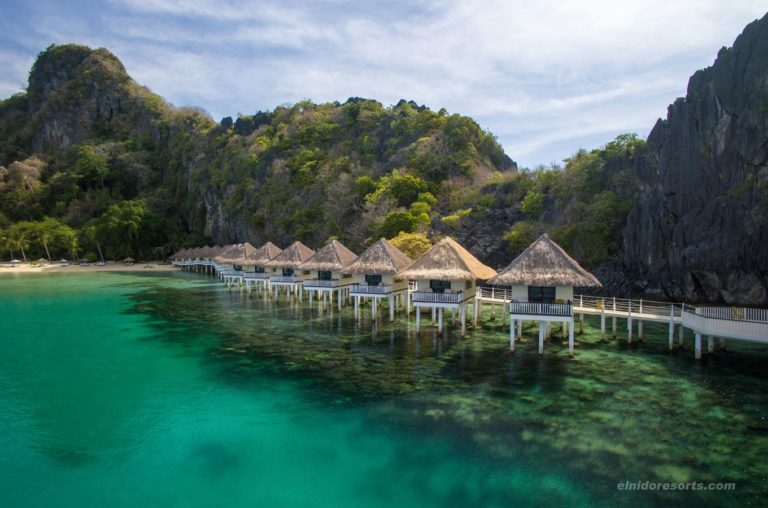04.-Apulit-Island-Water-Cottages-1